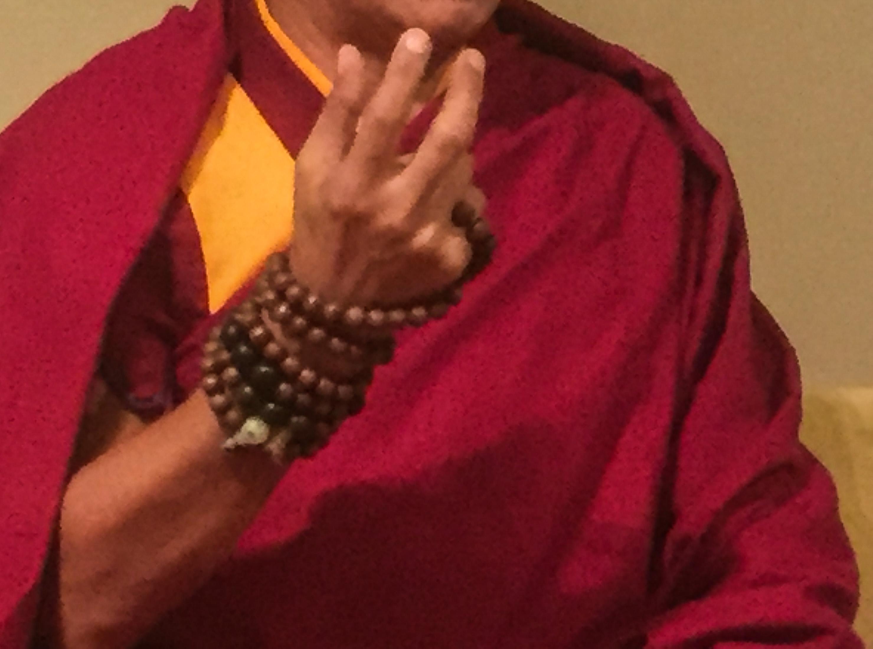 tebetan-monk-prayer